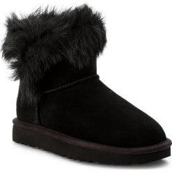 Buty UGG - W Milla 1018303 W/Blk. Szare buty zimowe damskie marki Ugg, z materiału, z okrągłym noskiem. Za 899,00 zł.
