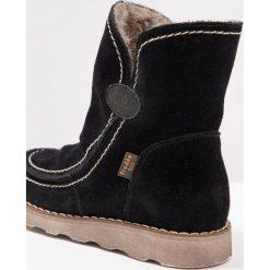 Froddo Śniegowce black. Niebieskie buty zimowe damskie marki Froddo, z materiału, na wysokim obcasie. W wyprzedaży za 226,85 zł.