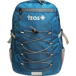 Plecak w kolorze niebiesko-szarym - 21 l. Niebieskie plecaki męskie Izas, w paski, z materiału. W wyprzedaży za 169,95 zł.