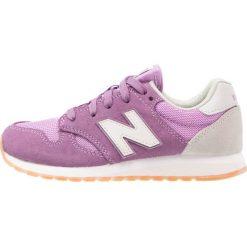 New Balance Tenisówki i Trampki purple. Fioletowe trampki chłopięce marki New Balance, z materiału. W wyprzedaży za 245,65 zł.