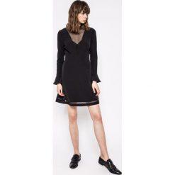 Morgan - Sukienka. Czarne długie sukienki marki Morgan, na co dzień, z elastanu, casualowe, z okrągłym kołnierzem, z długim rękawem, rozkloszowane. W wyprzedaży za 219,90 zł.