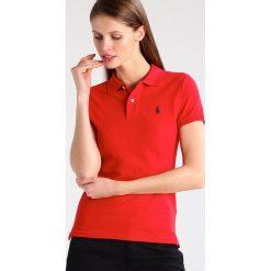 Polo Ralph Lauren SKINNY FIT Koszulka polo red. Czerwone topy sportowe damskie marki Polo Ralph Lauren, xl, z bawełny, polo. Za 389,00 zł.