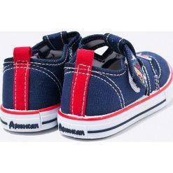 American Club - Tenisówki dziecięce. Szare buty sportowe chłopięce American CLUB, z materiału. W wyprzedaży za 24,90 zł.