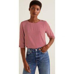 Mango - Bluzka Paris. Różowe bluzki wizytowe Mango, l, z tkaniny, eleganckie, z okrągłym kołnierzem. Za 89,90 zł.