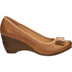 CZÓŁENKA SERGIO LEONE 8012. Brązowe buty ślubne damskie Casu, na koturnie. Za 89,99 zł.