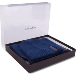 Zestaw Szalik i Czapka CALVIN KLEIN BLACK LABEL - Octave Giftset K50K503462 411. Czarne czapki damskie marki Calvin Klein Black Label. W wyprzedaży za 309,00 zł.