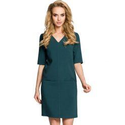 ARIA Sukienka dwie kieszenie - zielona. Zielone sukienki mini marki Moe, na co dzień, z tkaniny, z dekoltem w serek, z krótkim rękawem, proste. Za 139,99 zł.