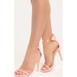 Różowe Sandały Private Emotion. Czerwone sandały damskie marki Born2be, z materiału, na wysokim obcasie, na obcasie. Za 69,99 zł.
