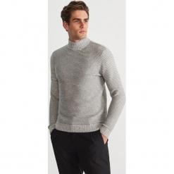 Sweter z półgolfem - Jasny szar. Białe swetry klasyczne męskie marki Reserved, l, z dzianiny. Za 159,99 zł.