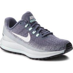 Buty NIKE - Air Zoom Vomero 13 922909 002  Light Carbon/Summit White. Niebieskie buty do biegania damskie marki Salomon, z gore-texu, na sznurówki, gore-tex. W wyprzedaży za 439,00 zł.