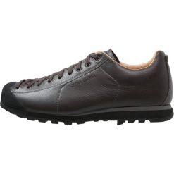 Scarpa MOJITO BASIC Obuwie hikingowe dark brown. Brązowe buty trekkingowe męskie Scarpa, z gumy, outdoorowe. Za 659,00 zł.