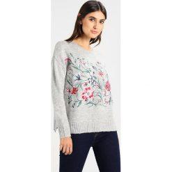 Swetry klasyczne damskie: Springfield BORDADO GRANDE Sweter greys
