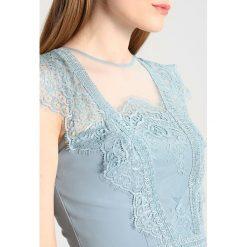Sukienki hiszpanki: Chi Chi London Tall FRIDA Sukienka koktajlowa blue