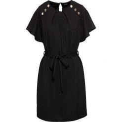 Sukienka z paskiem bonprix czarny. Czarne sukienki na komunię marki bonprix. Za 54,99 zł.
