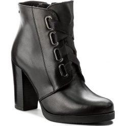 Botki WOJAS - 7657-51 Czarny. Czarne buty zimowe damskie Wojas, ze skóry, na obcasie. W wyprzedaży za 269,00 zł.
