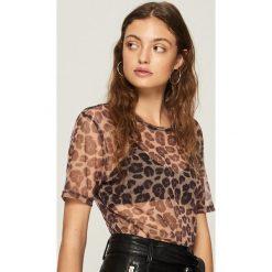 Koszulka w panterkę - Wielobarwn. Różowe t-shirty damskie marki Sinsay, l, z motywem zwierzęcym. Za 39,99 zł.