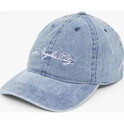 Czapka Los Angeles City. Niebieskie czapki damskie Pull&Bear. Za 49,90 zł.