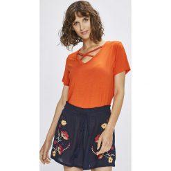 Answear - Top Stripes Vibes. Pomarańczowe topy damskie marki ANSWEAR, l, z dzianiny. W wyprzedaży za 19,90 zł.