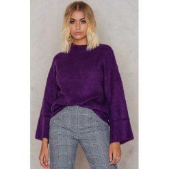 NA-KD Puszysty sweter - Purple. Fioletowe swetry klasyczne damskie marki NA-KD, z dzianiny. W wyprzedaży za 60,89 zł.