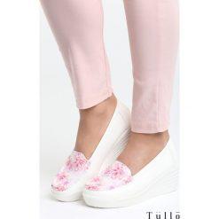 Różowe Koturny Perky. Czerwone buty ślubne damskie marki Born2be, z materiału, na wysokim obcasie, na koturnie. Za 69,99 zł.