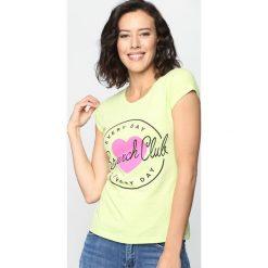 Bluzki asymetryczne: Zielony T-shirt Natural Woman