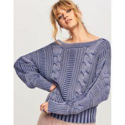 Sweter z dekoltem z tyłu - Granatowy. Niebieskie swetry klasyczne damskie Reserved, l. Za 119,99 zł.