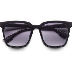 Okulary przeciwsłoneczne bonprix czarny. Czarne okulary przeciwsłoneczne damskie lustrzane bonprix. Za 24,99 zł.