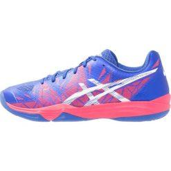 ASICS GELFASTBALL 3 Obuwie do piłki ręcznej blue purple/white/rouge red. Fioletowe buty do fitnessu damskie Asics, z gumy. W wyprzedaży za 342,30 zł.