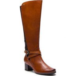 Kozaki CAPRICE - 9-25616-21 Cognac Comb 313. Brązowe buty zimowe damskie Caprice, z materiału, na obcasie. W wyprzedaży za 399,00 zł.