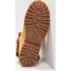 Timberland AUTHENTICS 6 INCH Śniegowce beige. Brązowe buty zimowe damskie marki Timberland, z gumy. W wyprzedaży za 359,20 zł.