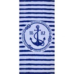Kąpielówki męskie: Ręcznik w kolorze biało-granatowym