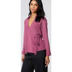 Koszule wiązane damskie: NA-KD Classic Kopertowa koszula szyfonowa – Purple