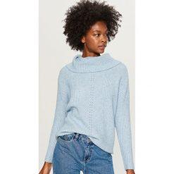 Sweter z odkrytymi ramionami - Niebieski. Niebieskie swetry klasyczne damskie Reserved, l. Za 99,99 zł.