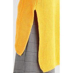 Swetry klasyczne damskie: Glamorous Sweter yellow