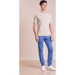 Rurki męskie: BOSS CASUAL SLIM Spodnie materiałowe light blue