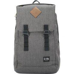 Plecaki męskie: Plecak w kolorze szarym – 33 x 49 x 15 cm