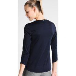 Limited Sports SARAH Koszulka sportowa eclipse blue. Niebieskie t-shirty damskie Limited Sports, z materiału, z długim rękawem. Za 229,00 zł.