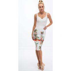 Kremowa ołówkowa spódnica we wzory 8401. Czarne spódniczki ołówkowe marki Fasardi, m, z dresówki. Za 44,00 zł.