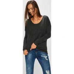 Review - Sweter. Szare swetry klasyczne damskie marki Review, l, z tkaniny, z okrągłym kołnierzem. Za 99,90 zł.
