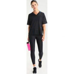 Nike Performance BREATHE Tshirt z nadrukiem black. Czarne t-shirty damskie Nike Performance, xs, z nadrukiem, z materiału. W wyprzedaży za 125,30 zł.