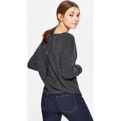 Swetry klasyczne damskie: Sweter z drobnym splotem – Szary