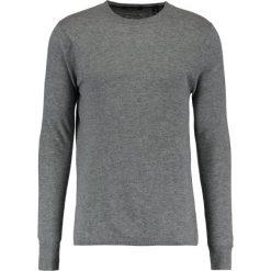 Swetry klasyczne męskie: Scotch & Soda WITH SIDE SLIT DETAILS Sweter charcoal melange