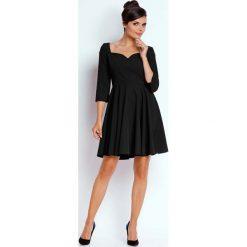 Sukienki balowe: Czarna Kobieca Rozkloszowana Sukienka z Dekoltem w Serce