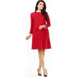Czerwona Sukienka Wizytowa z Białym Kołnierzykiem i Mankietami. Czerwone sukienki koktajlowe marki Molly.pl, do pracy, l, z tkaniny, z koszulowym kołnierzykiem, mini, koszulowe. Za 149,90 zł.