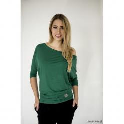 BLUZKA SIMPLE - butelkowa zieleń. Zielone bluzki z odkrytymi ramionami Pakamera, z dekoltem w łódkę. Za 139,00 zł.