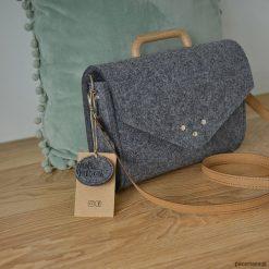 Mała szara filcowa torebka Felt&Wood III limitow. Szare torebki klasyczne damskie marki Pakamera, małe. Za 125,00 zł.