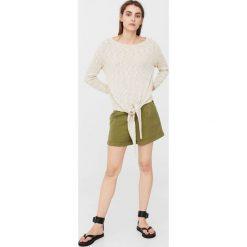 Mango - Sweter Nudo. Szare swetry klasyczne damskie Mango, l, z bawełny, z dekoltem w łódkę. W wyprzedaży za 49,90 zł.