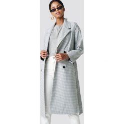 NA-KD Długi płaszcz w kratkę - Grey. Szare płaszcze damskie NA-KD, w kratkę. Za 364,95 zł.