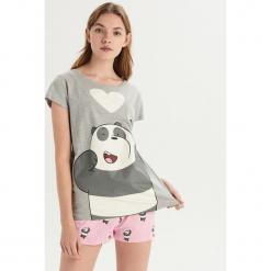 Dwuczęściowa piżama We bare bears - Jasny szar. Szare piżamy damskie marki Sinsay, l, z motywem z bajki. Za 49,99 zł.
