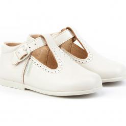 Skórzane półsandały w kolorze beżowym. Niebieskie sandały chłopięce marki geox kids, z gumy. W wyprzedaży za 175,95 zł.
